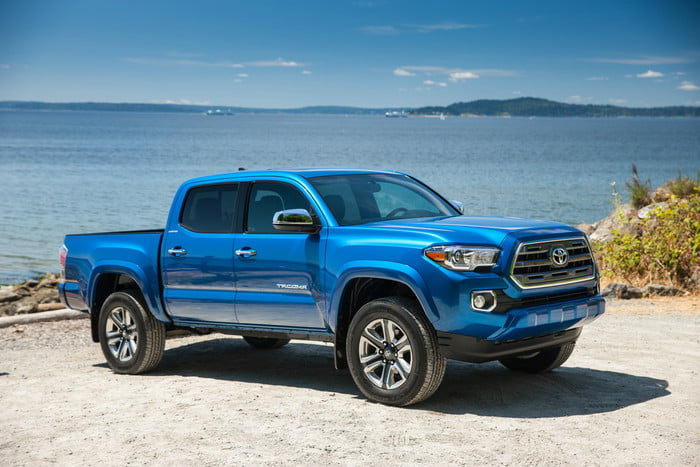 2018-toyota-tacoma-limited front